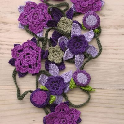 Cotton crochet flower necklaces - large