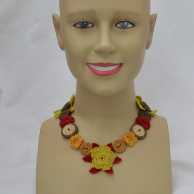 crochet button necklace