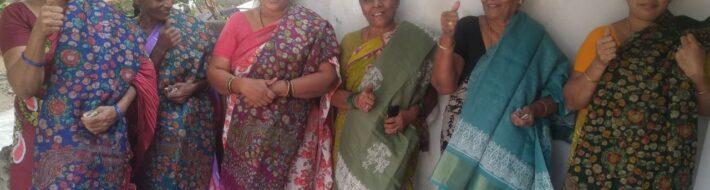 Christmas sarees distribution programme (9)